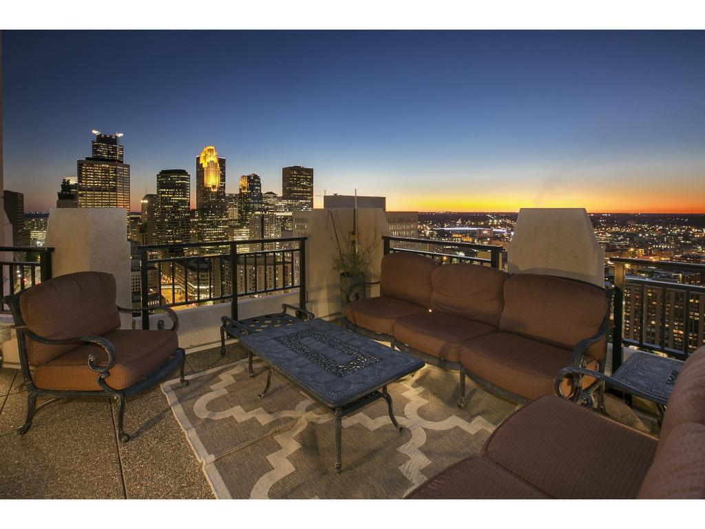 Carlyle Condos For Sale In Minneapolis MN